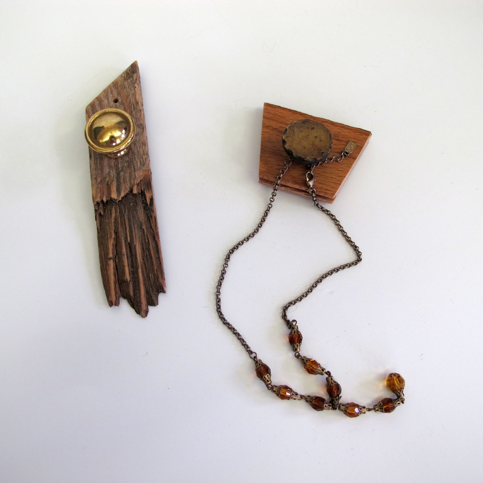 wood jewelry holder
